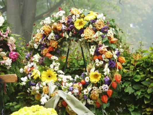 Corona Funeraria Estándar, Flores para Tanatorio, Coronas de Flores para dar Condolencias, Enviar Flores a Tanatorio, Flores de Defunción