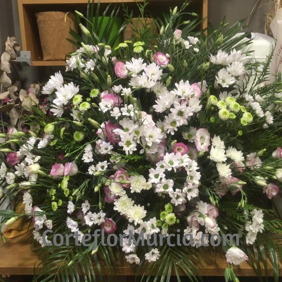 centro de flores para todos los Santos